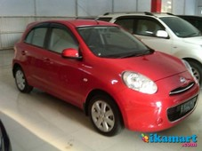 jual nissan march automatic 2011 merah