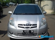 toyota yaris s limited at 1.5 silver keyles