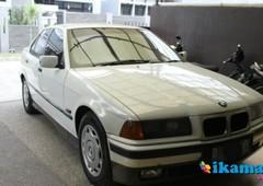 jual bmw 320i manual thn 1995 warna putih