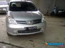jual nissan livina type xr 2011 silver matic