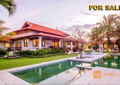 villa 5 bedrooms full furnished view pantai di uluwatu bali