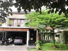 rumah mewah, nyaman dan asri di taman senayan bintaro